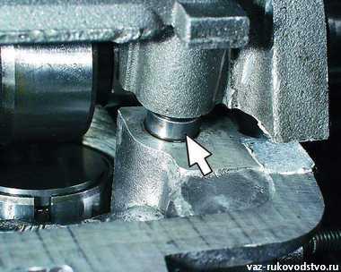 Фото №1 - замена прокладки клапанной крышки ВАЗ 2110 8 кл