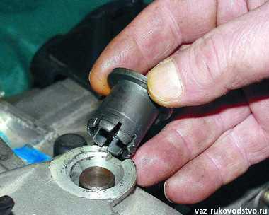 Ваз 2112 замена вилки сцепления без снятия