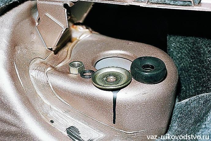Фото №11 - как проверить задние стойки ВАЗ 2110